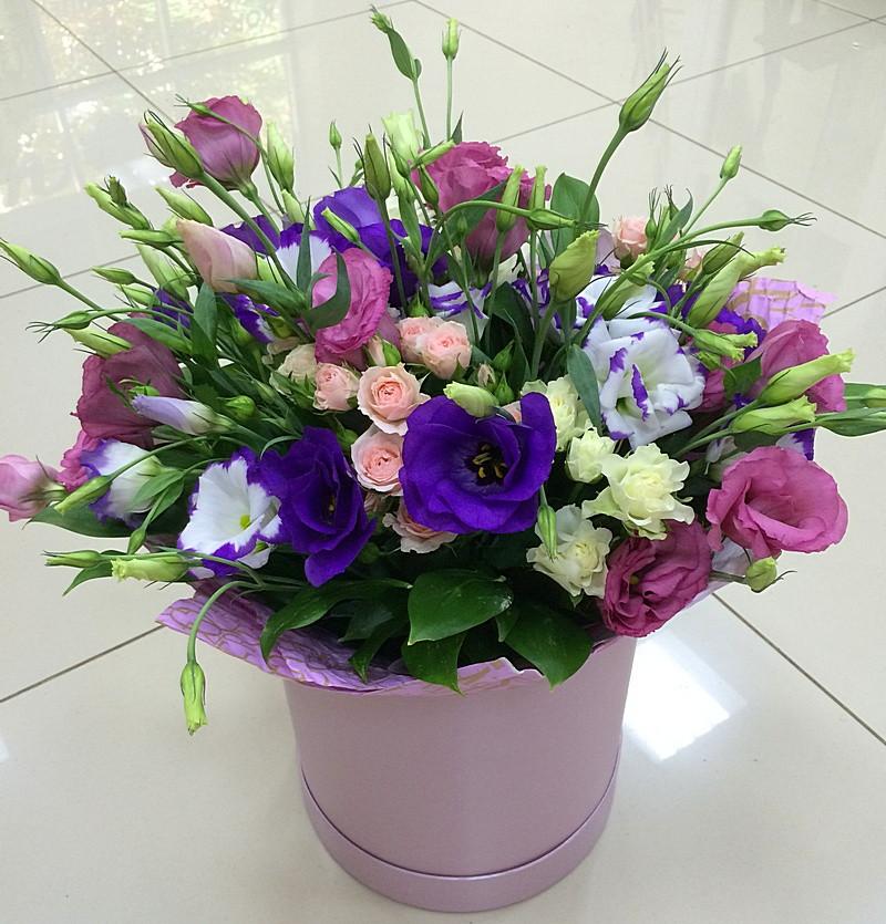 Шляпная коробка. Купить цветы и букеты с доставкой в Адлере.