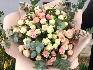 Цветы и букеты на 8 марта в Адлере!