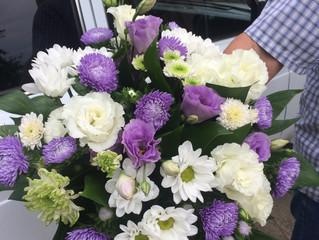 Красивые букеты из сезонных цветов!