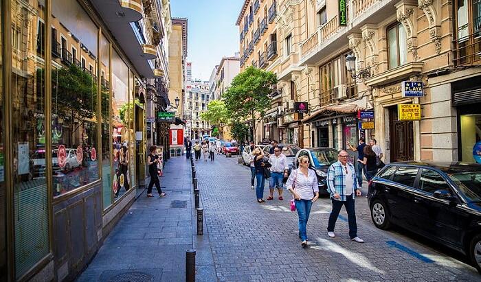 Conoce los requisitos para obtener un Arraigo Social en España