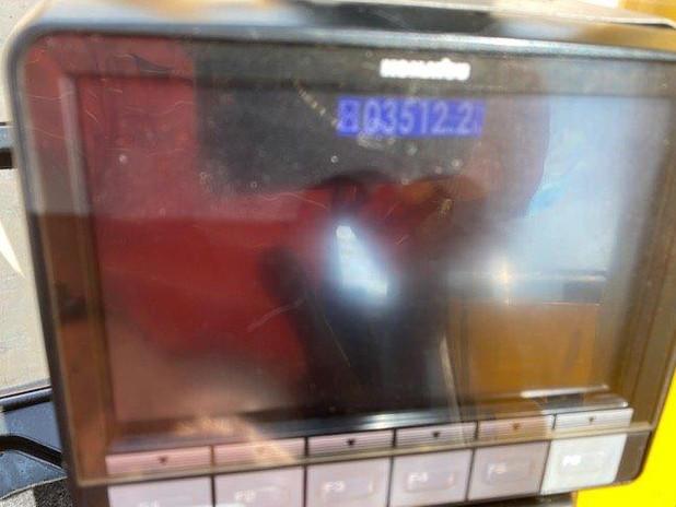 PC228USLC-10 2406 (5).jpg