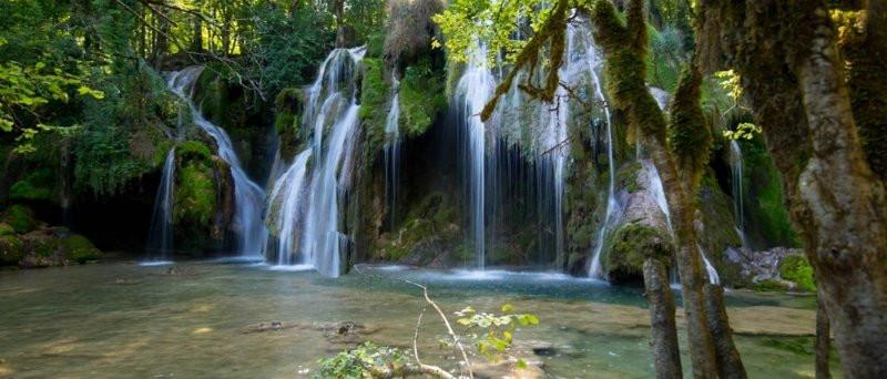 cascade-des-tufs-arbois.jpg