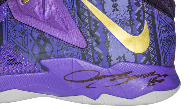 NIKE SOLDIER VII - SIGNED