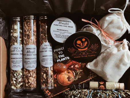 Sage Advice Saturday: Hedge Witch Apothecary Halloween Scream Box Review