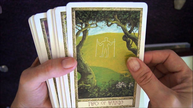 The best way to do a yes/no tarot reading | Tarot to guide