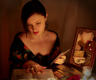 Choose your tarot readers with care