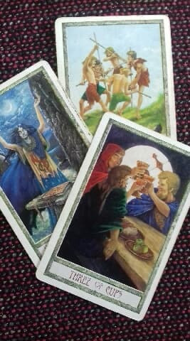 Facing the void with Tarot. Who am I?