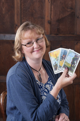 How does Tarot work? And could it help you?