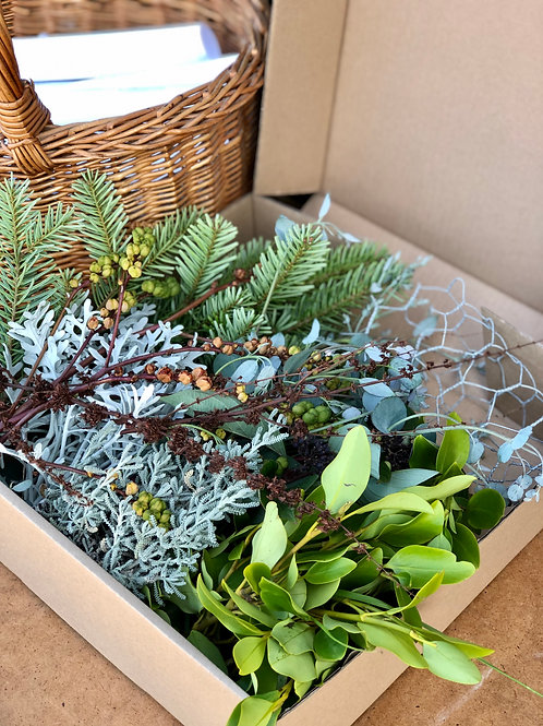 DIY Christmas Table Display Materials