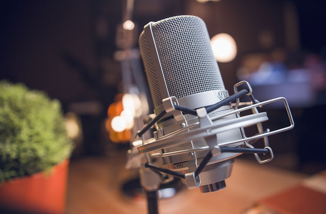microphone-3769543.jpg