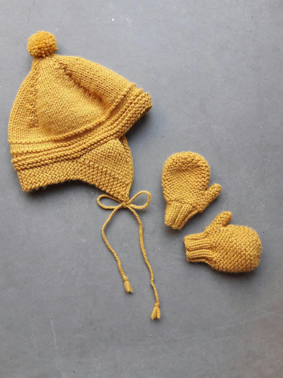 magasiner pour les plus récents couleurs et frappant nouveau concept Bonnet inuit et moufles coloris moutarde