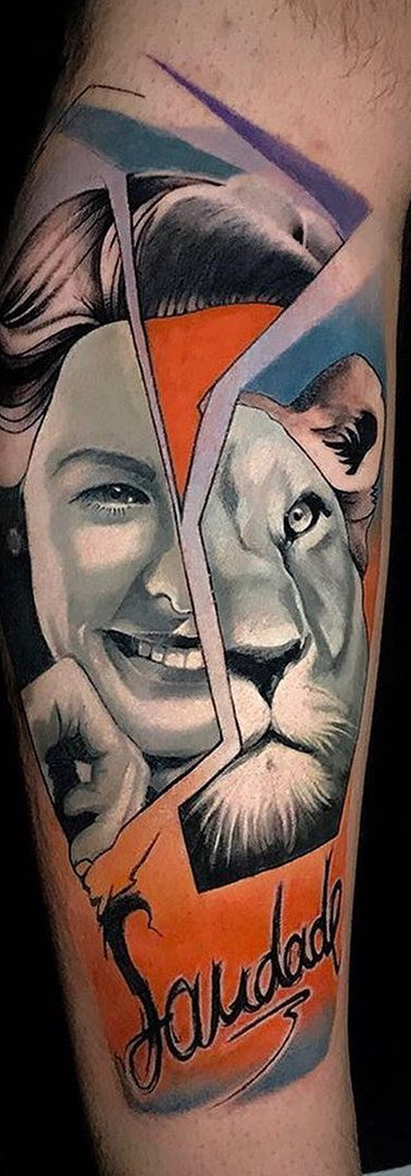 Lion Avantgarde Tattoo