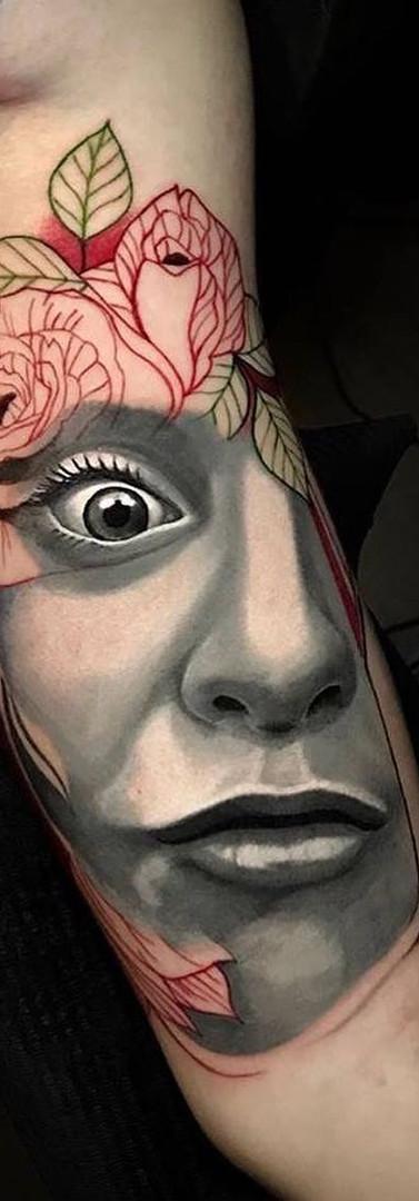 Face Flowers Avantgarde Tattoo