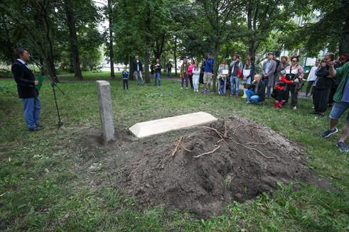 Tree Burial NP_-2-3.jpg