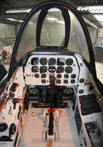 medium_1515796_T28A-1-Cockpit-9.jpeg