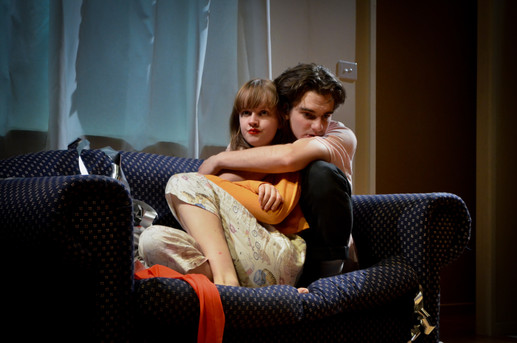 Ben Walter as Eliot and Markella Kavenagh as Maggie