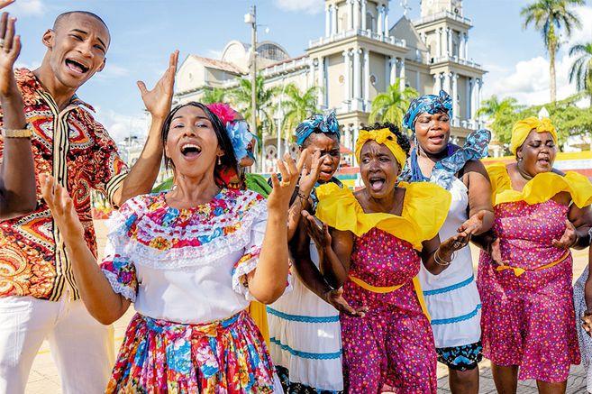 Cantadores de Bojayá en Quibdó.