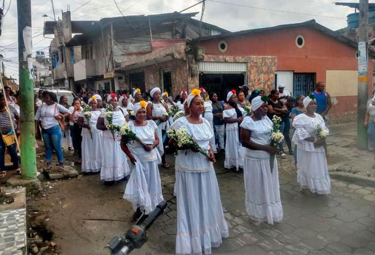 Cantadoras en entierro de Maria Rina Osp