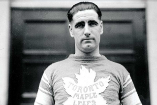 OLD BULWARKS: LORNE CHABOT AND A COMPARATIVE STUDY OF NHL GOALTENDERS IN THE 1920s AND 1930s