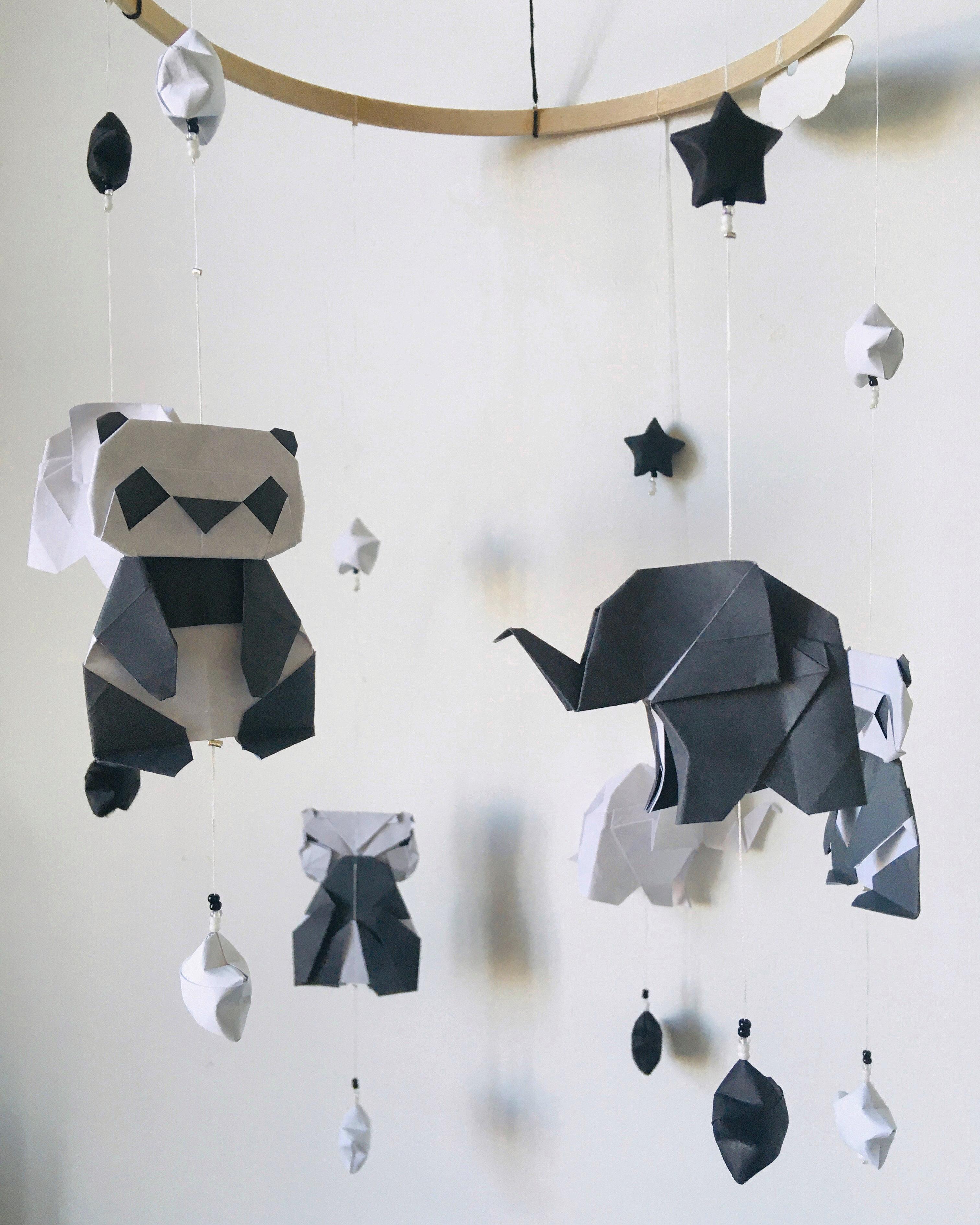 Mobile Bébé À Suspendre Au Plafond mobile simple éléphanteaux et pandas   charigami