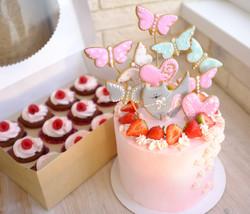 "торт ""Котик в бабочках"""
