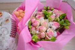 подарочный набор macarons с цветами