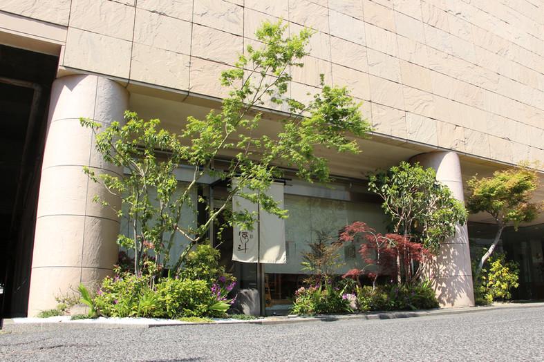 紅葉をくぐって ガーデン工事(リノベーション)