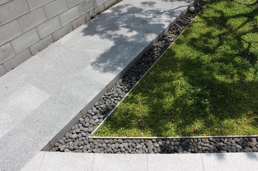 04/10 自邸 未完の庭 ガーデン工事