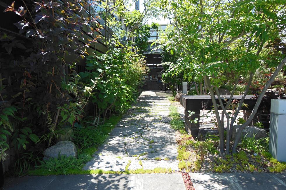 09/32 植物好きのための庭 ガーデン工事