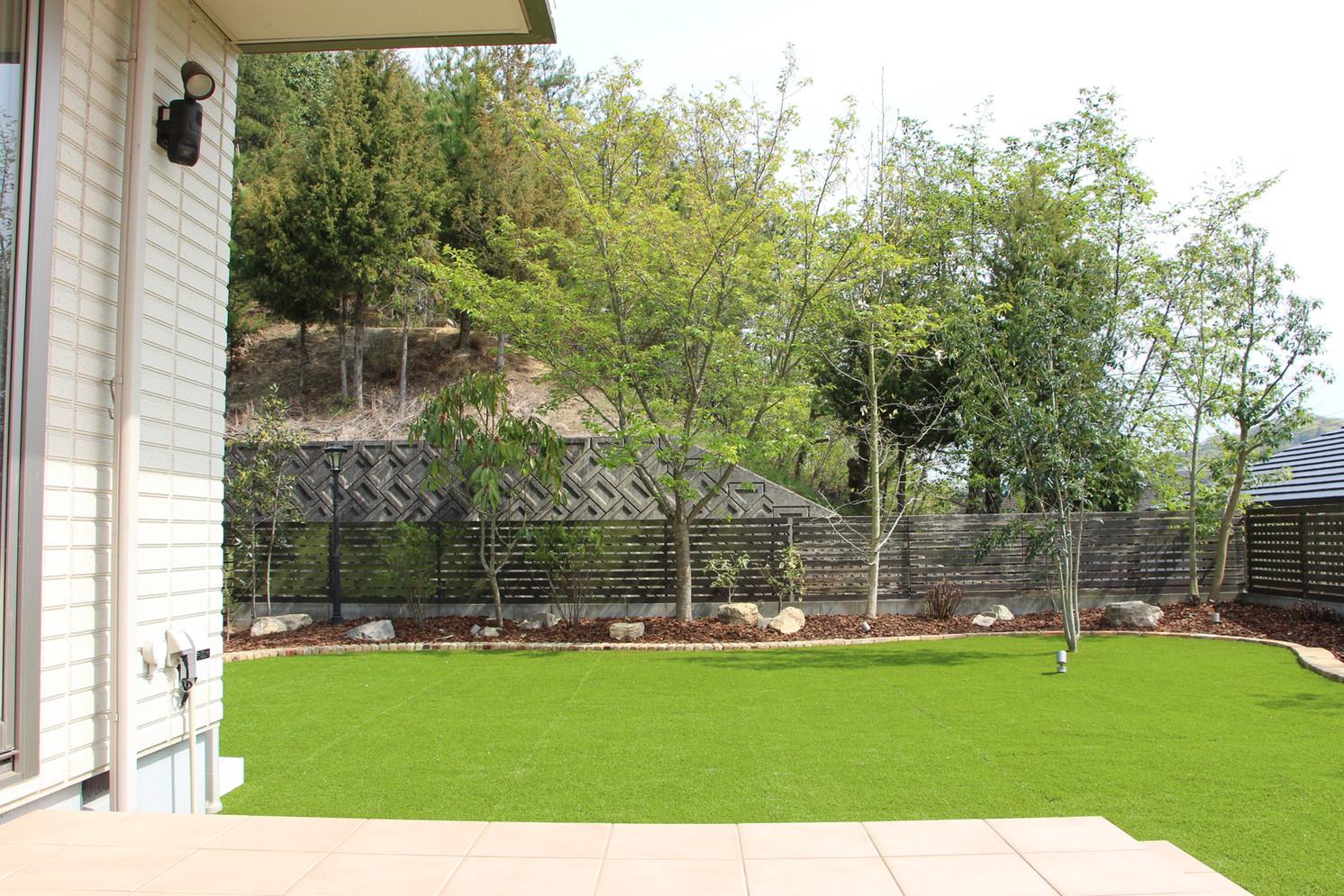 愛犬たちと過ごす庭|ガーデン工事
