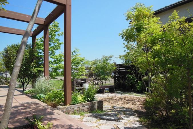 06/32 植物好きのための庭 ガーデン工事