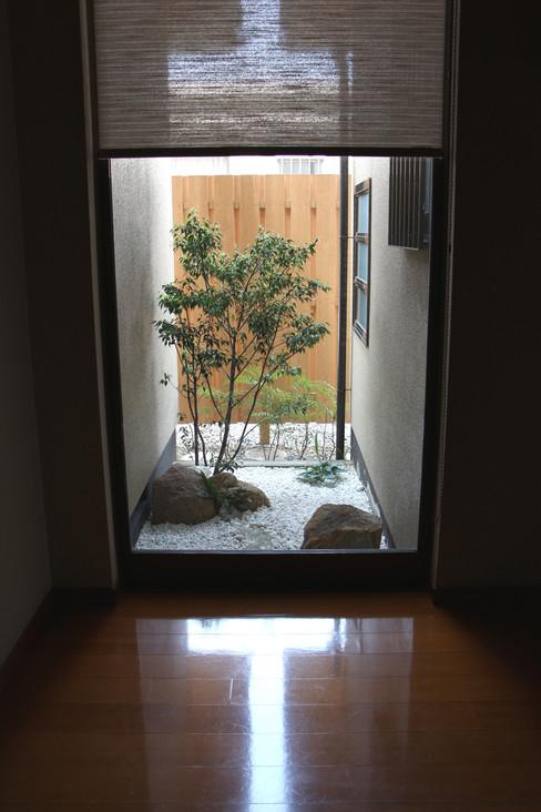 05/14 日常と非日常の狭間 ガーデン工事