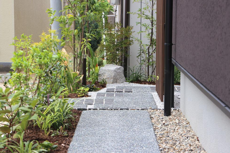 05/24 さり気なく導かれる ガーデン工事