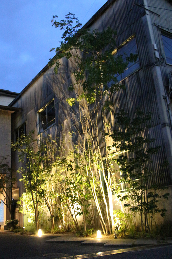 08/17 木々をくぐって ガーデン工事(リノベーション)