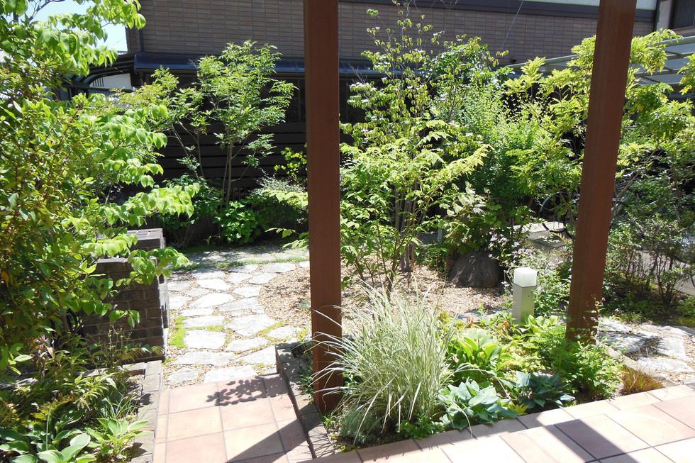 11/32 植物好きのための庭 ガーデン工事