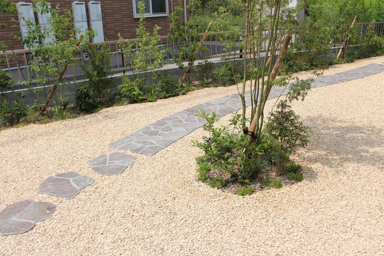 曖昧な境界線 ガーデン工事