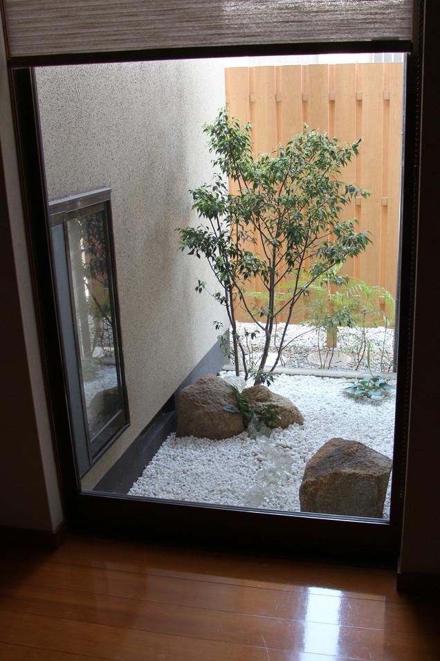 04/14 日常と非日常の狭間 ガーデン工事