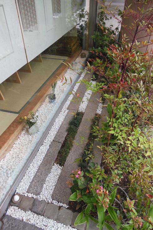 09/14 紅葉をくぐって ガーデン工事(リノベーション)