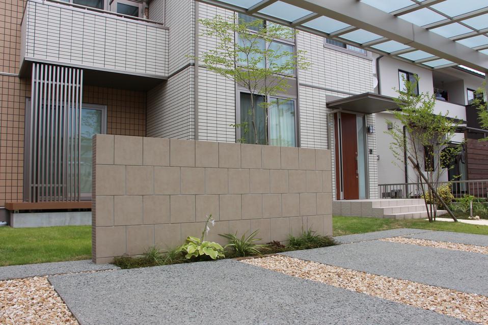 09/40 場を仕切る ガーデン&エクステリア工事