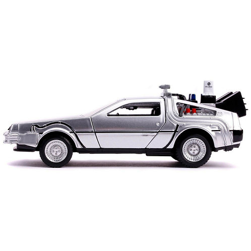 BACK TO THE FUTURE II HOLLYWOOD RIDES DELOREAN TIME MACHINE