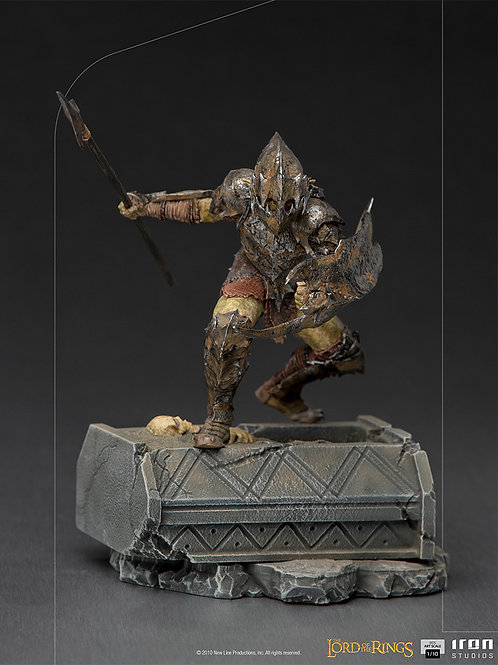 LORD OF THE RINGS BDS ART SCALE ARMORED ORC (ESTÁTUA)