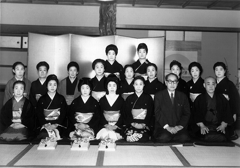 1961_Ceremony for three new holders of the diploma in Japanese dancing from_Sakamoto School_