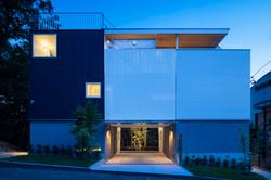 facade-night