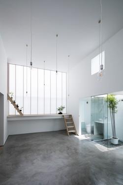 Interior-noon-R