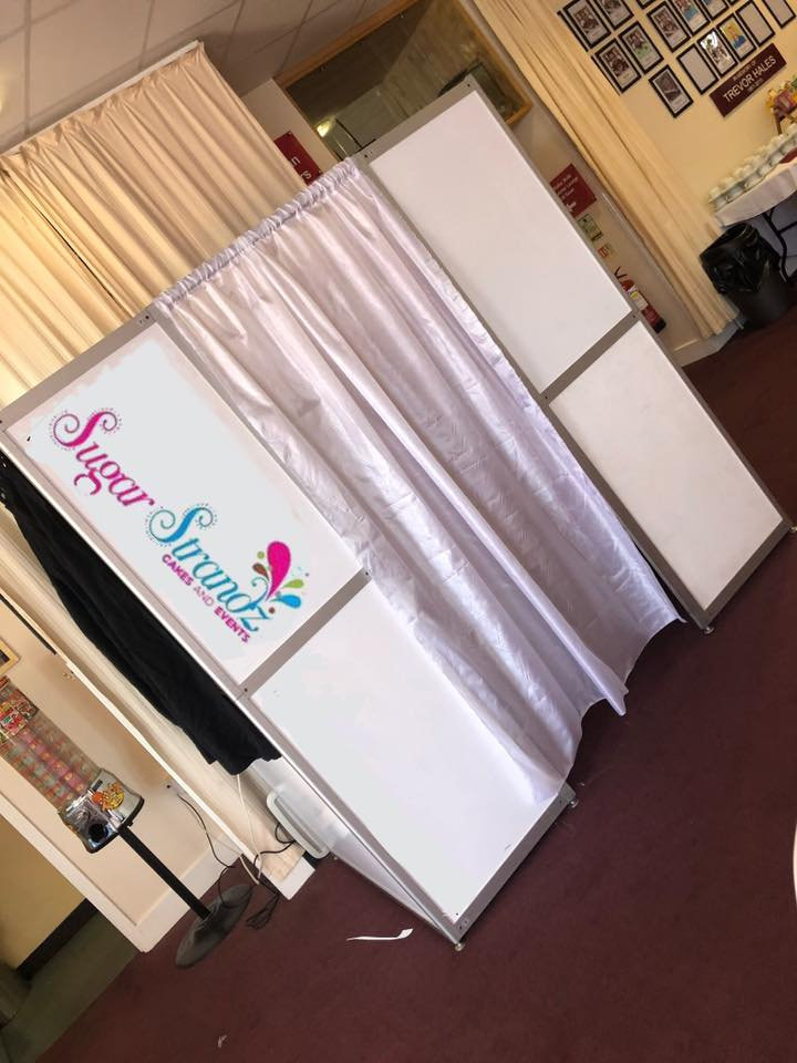 Gold photobooth hire