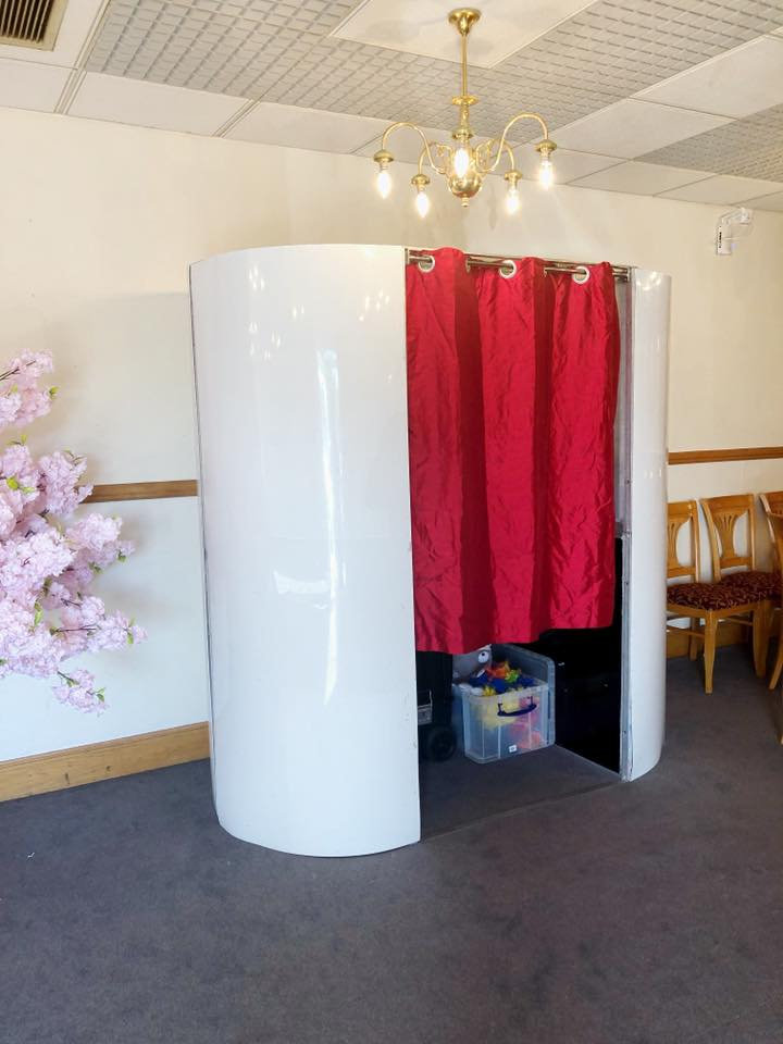 Silver photobooth hire