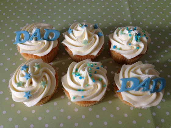 Simple fathers day Cupcakes