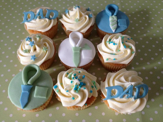 Deluxe fathers day Cupcakes