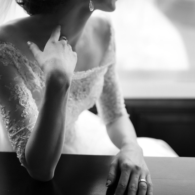 Black-and-white-wedding-picture.-6379314