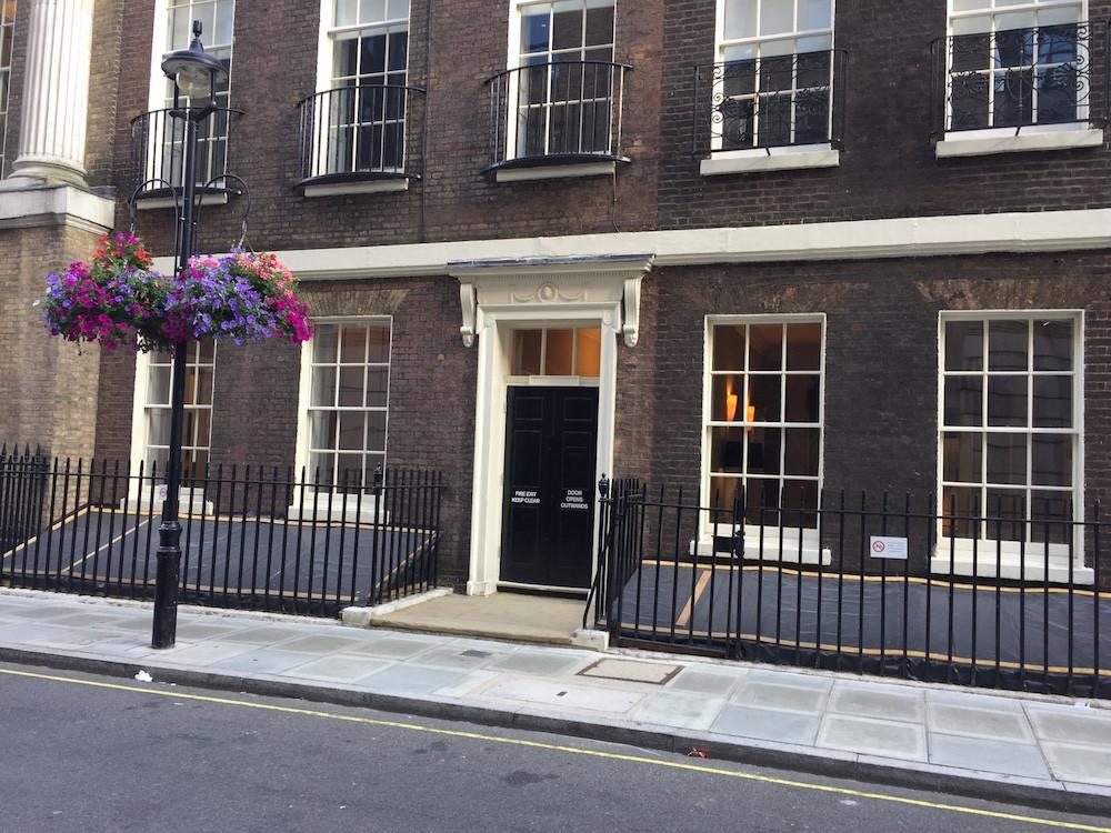 Fake Downing Street
